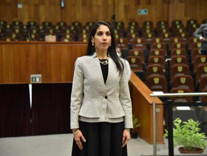 Verónica Hernández Giadáns, es electa titular de la FGE