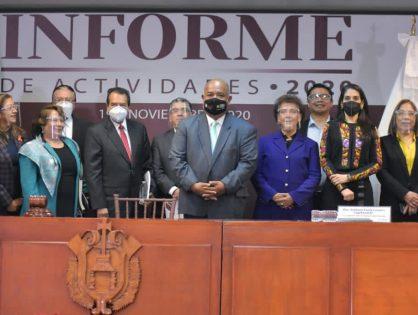 Fiscal Verónica Hernández Giadáns asiste a Informe de Labores de Magistrada Inés Romero Cruz